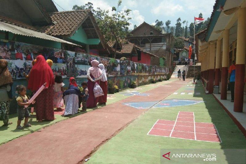 Pemkab Garut siap mengembangkan potensi wisata di desa tertinggal