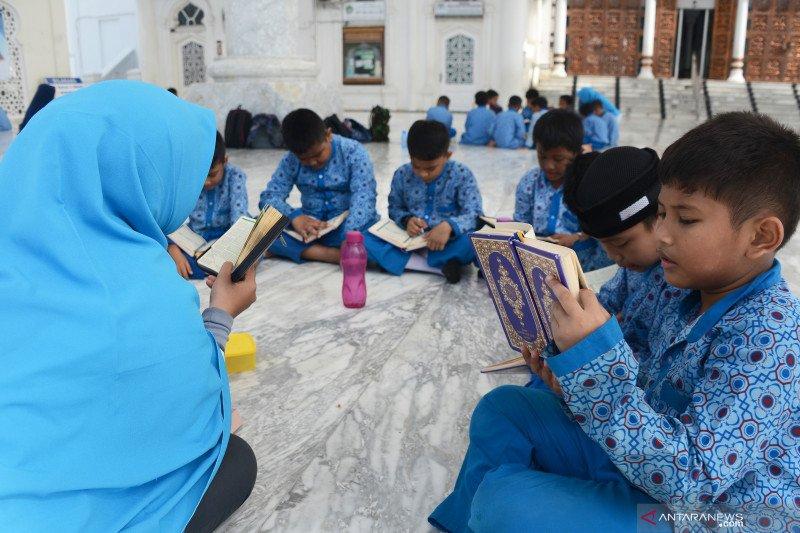 Menteri PPPA ajak pemerintah daerah bergandeng tangan lindungi anak