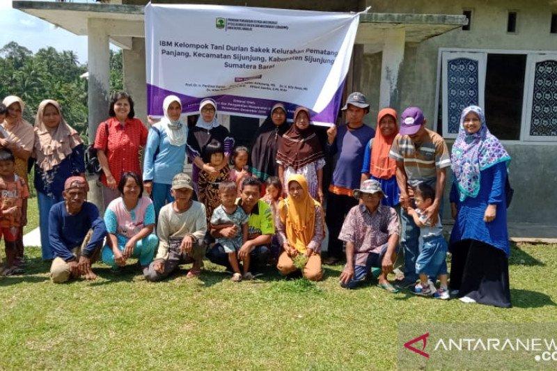 Tim Pengabdian Masyarakat Peternakan Laksanakan Penyuluhan Ternak Kerbau di Sijunjung