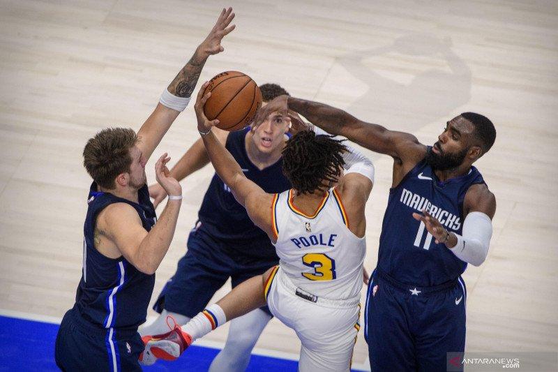 Tundukkan Warriors, Doncic kembali cetak triple double buat Mavericks