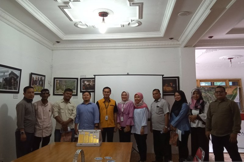 Pegadaian Padang sosialisasikan menabung emas ke jurnalis Antara Sumbar
