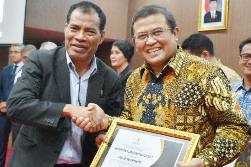 ULM terima anugerah Keterbukaan Informasi Publik kelima secara beruntun