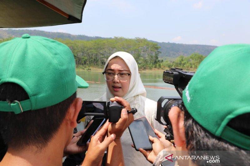 Bupati Purwakarta berharap TNI/Polri tindak tegas perusahaan buang limbah sembarangan