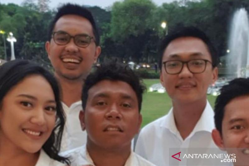 Profil - Putri Tanjung, Staf Khusus Presiden di usia 23 tahun