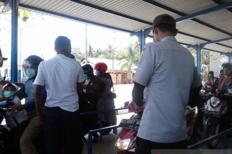 Jelang penerimaan CPNS, arus penumpang ASDP Baubau meningkat