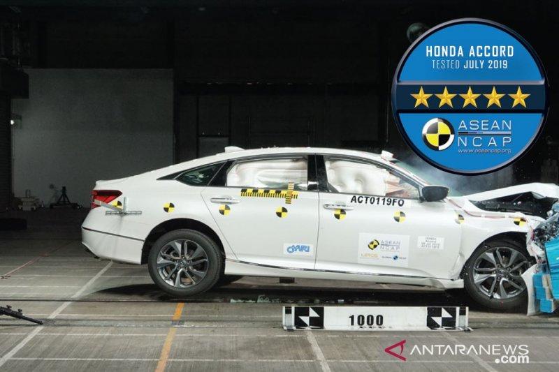 Honda Accord generasi ke-10 raih lima bintang dalam uji kecelakaan NCAP