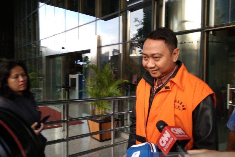 Rumah paman dan adik Bupati Lampung Utara nonaktif digeledah KPK