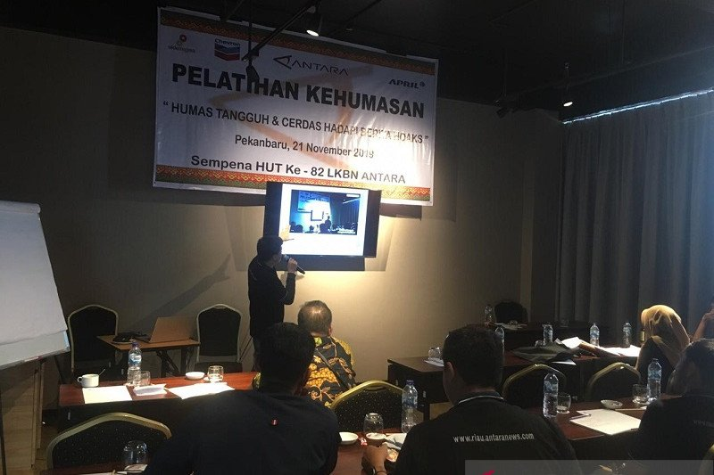 Vlogger ANTARA bagikan tips vlogging ke praktisi humas Riau