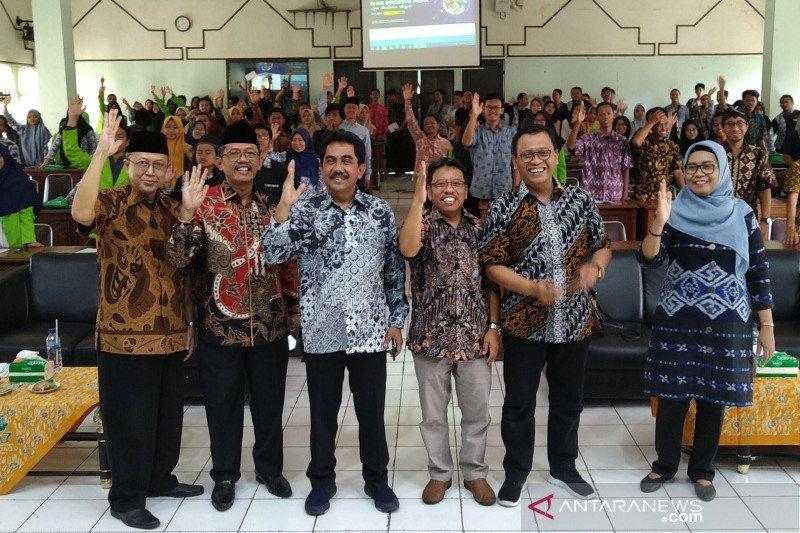 Kemkominfo ajak milenial Semarang bijak bermedia sosial
