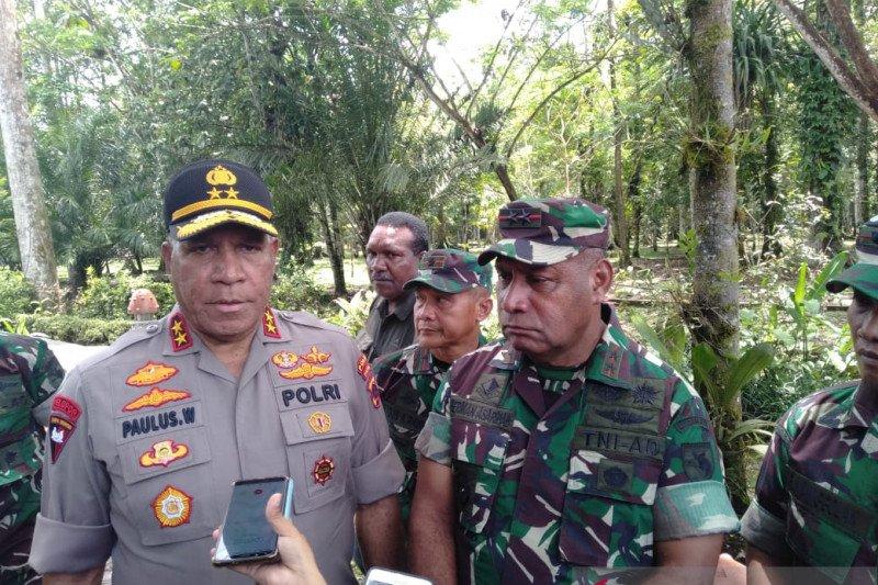 Polisi larang aparat desa  sumbang dana ke kelompok bersenjata