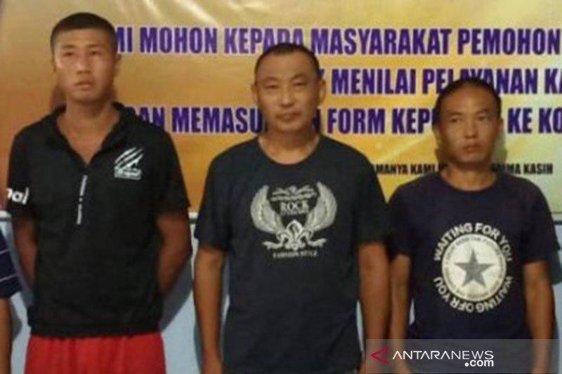 Intelijen Korem Biak tangkap tiga WNA asal Cina di Waropen
