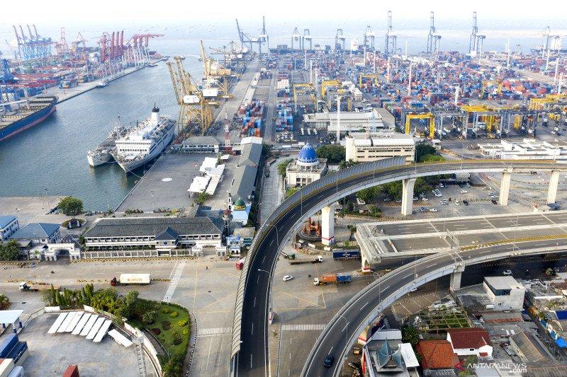 Pelindo II sesuaikan tarif di Pelabuhan Tanjung Priok mulai 15 April