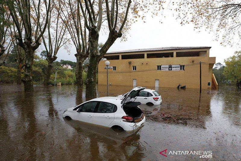 Helikopter tim penyelamat jatuh di Prancis