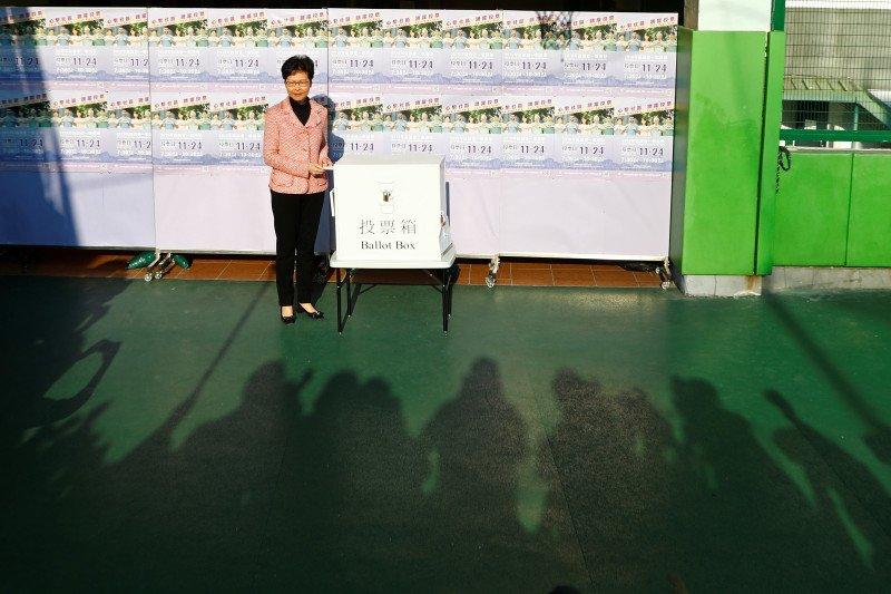 Pemimpin Hong Kong menuju Beijing saat tekanan meningkat