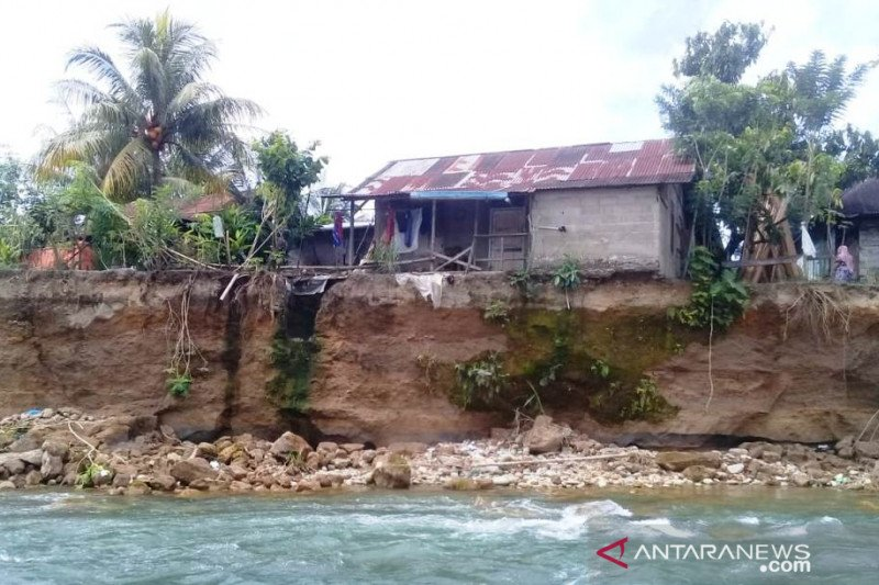 Empat kecamatan di Pasaman Barat terdampak banjir, kerugian sekitar Rp1 miliar