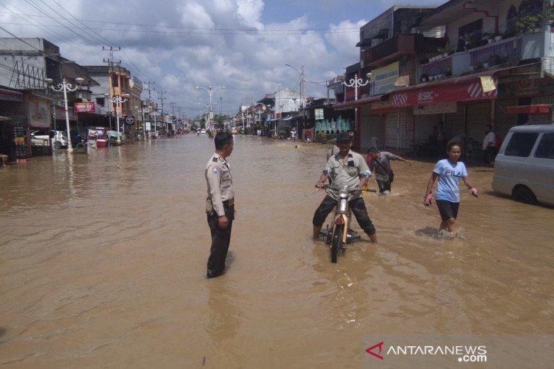 Riau bersiap hadapi banjir kiriman dari Sumbar