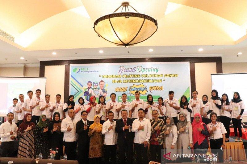 400 korban PHK Riau mendapat pendidikan vokasi BPJamsostek