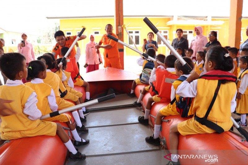 Siswa TK belajar tentang tugas Basarnas