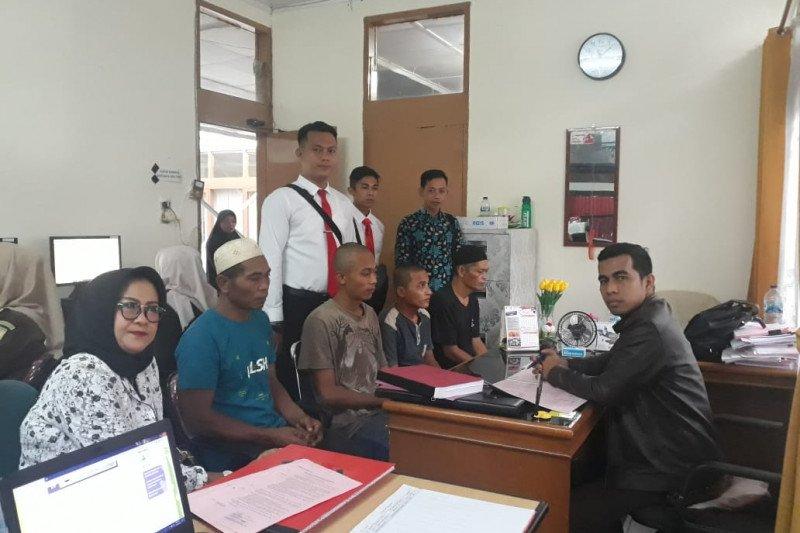 Kejari limpahkan berkas perkara dugaan pembakaran hutan ke Pengadilan Negeri Solok