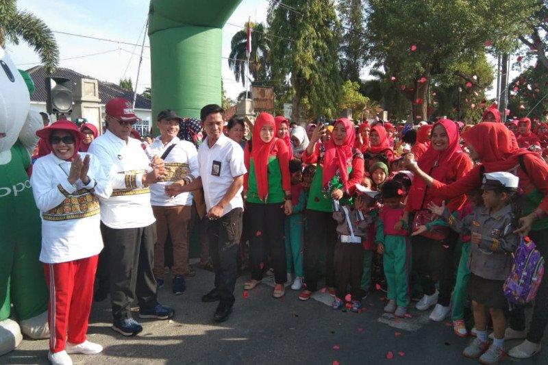 Bupati Lampung Tengah buka kegiatan jalan sehat