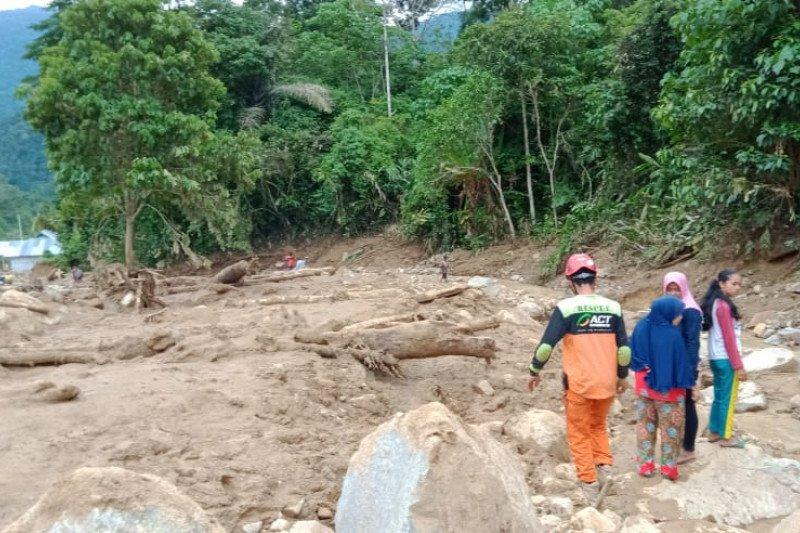 Penyaluran bantuan ACT bagi korban banjir di Solok Selatan terkendala akses