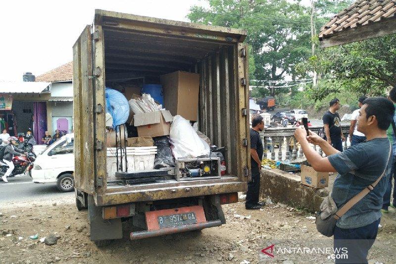 Barang bukti pembuatan narkotika di Tasikmalaya diangkut ke Jakarta