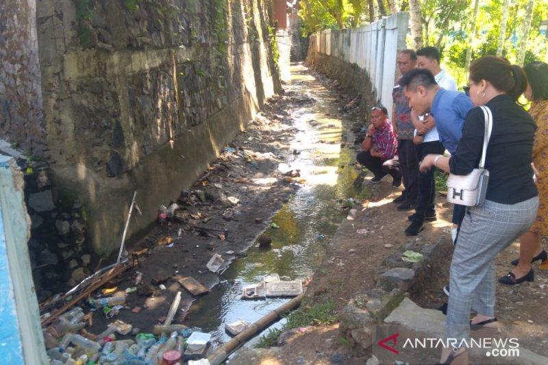 Komisi III DPRD Manado turlap secara maraton periksa fasilitas umum