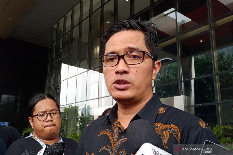 Dapat grasi, satu perkara korupsi lagi telah menunggu eks Gubernur Riau