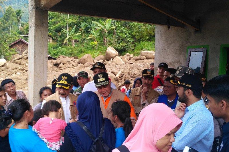 Wagub berharap korban banjir Solok Selatan mau direlokasi