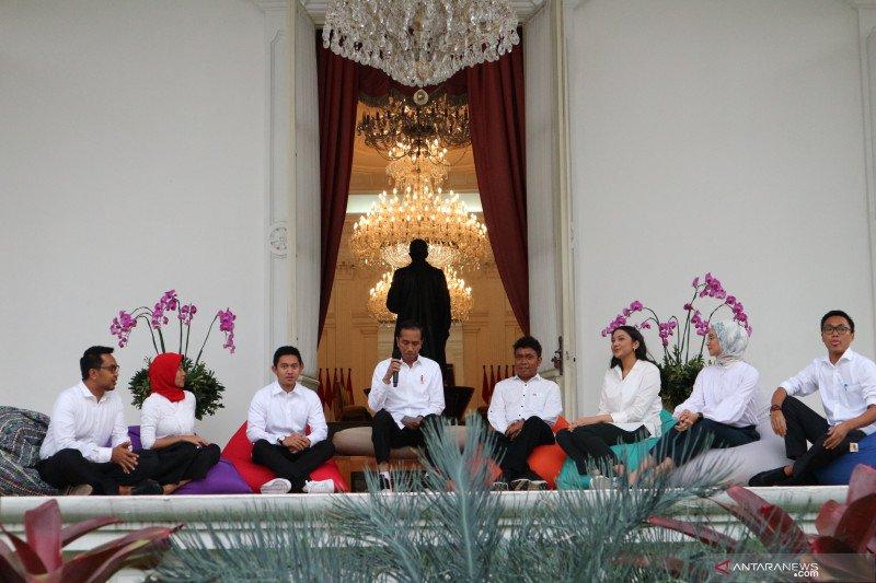 Stafsus milenial Presiden Jokowi ingin kerja maksimal dan tak cuma asal viral