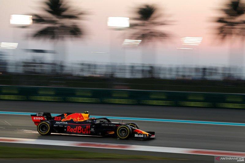 Max Verstappen tak beri kemudahan bagi Mercedes untuk menangi balapan