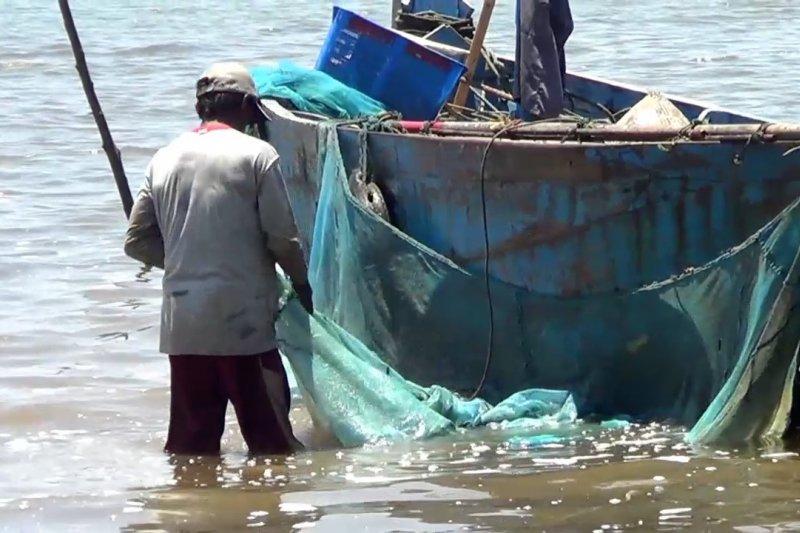 Memberi perlindungan nelayan lewat BPJS