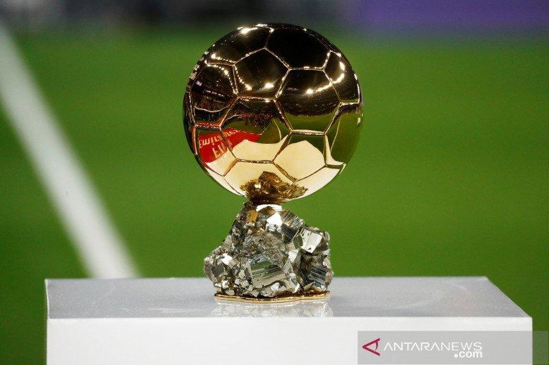 Daftar pemenang Ballon d'Or bocor, van Dijk susul Messi dipuncak