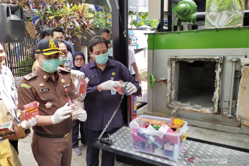 Balai Besar POM Bandung musnahkan 2.802 produk ilegal
