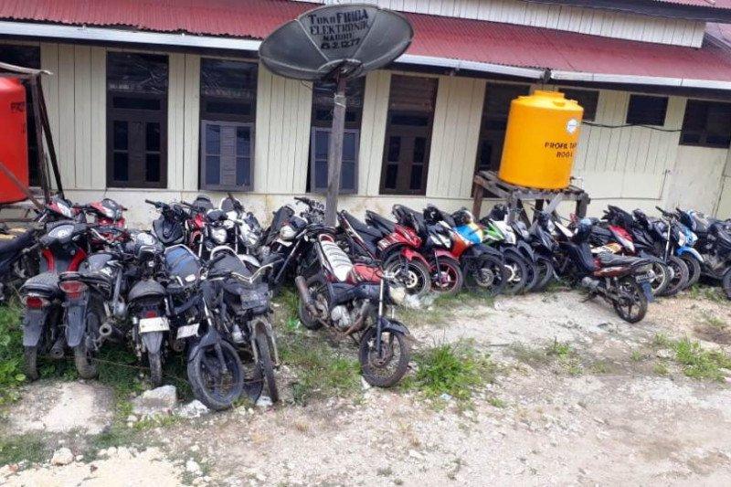 Puluhan motor terjaring razia polisi di Paniai