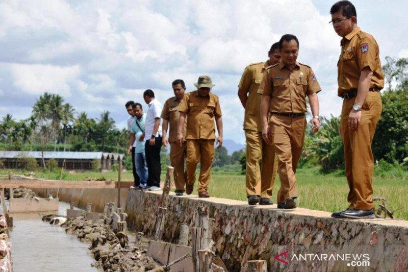 Pemkot Payakumbuh bersama kepolisian tinjau pembangunan drainase dan irigasi