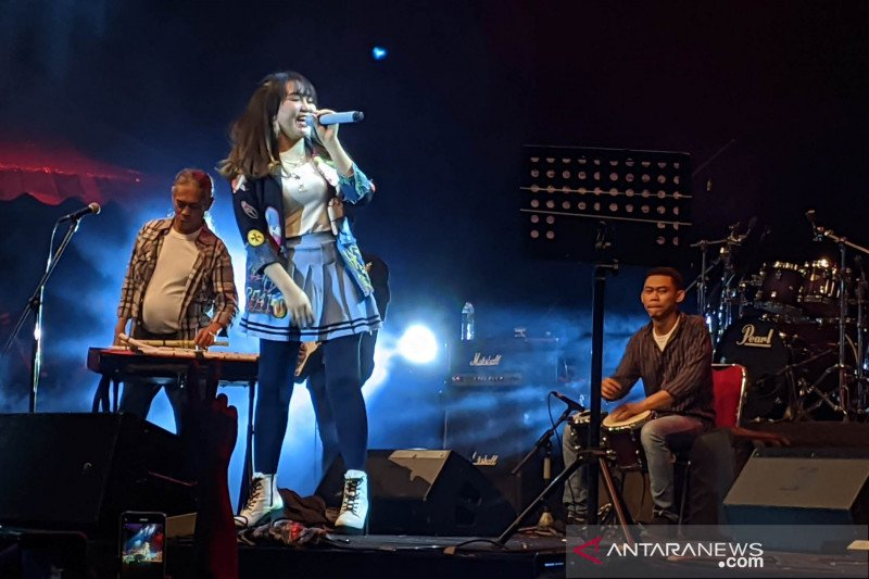 """""""Jazzdut"""" Via Vallen tutup acara festival jazz pertama di Purwakarta"""