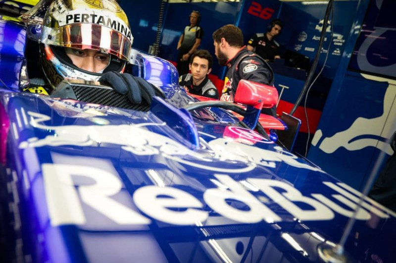 Sean Gelael jajal formula  Toro Rosso 2020