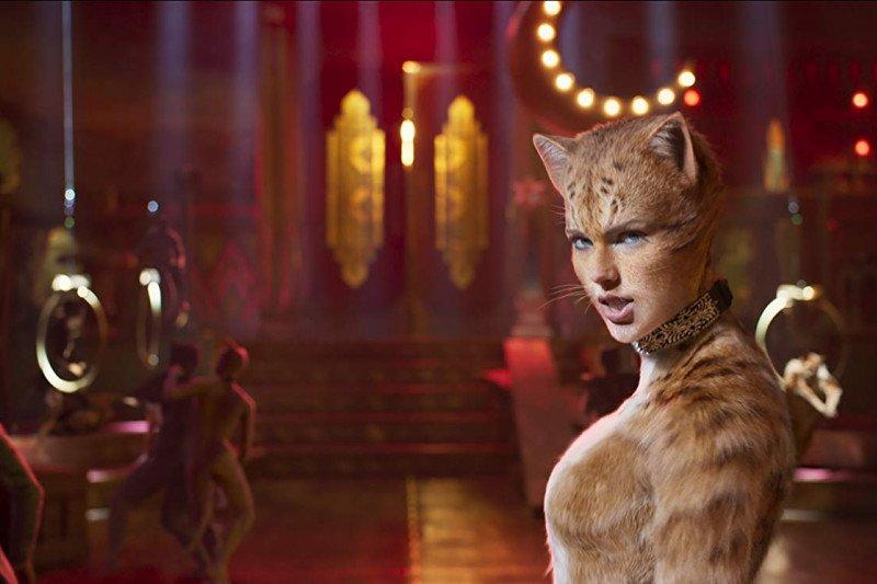 "Taylor Swift menyukai ""keanehan"" di film ""Cats"""