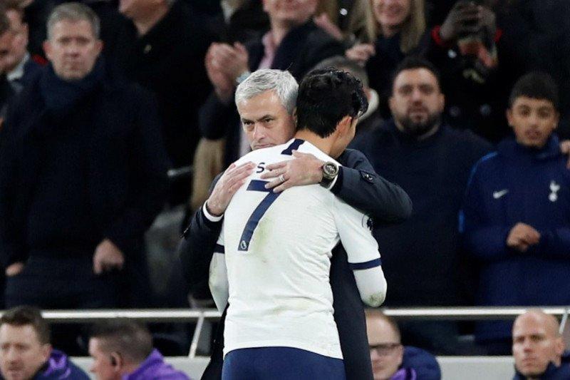 """Mourinho """"jatuh cinta"""" dengan Son Heung-min"""