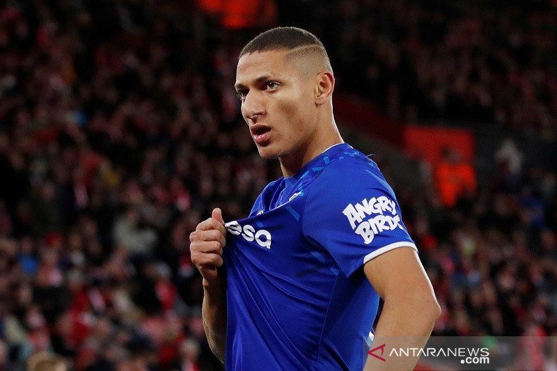 Everton kontrak Richarlison hingga 2024