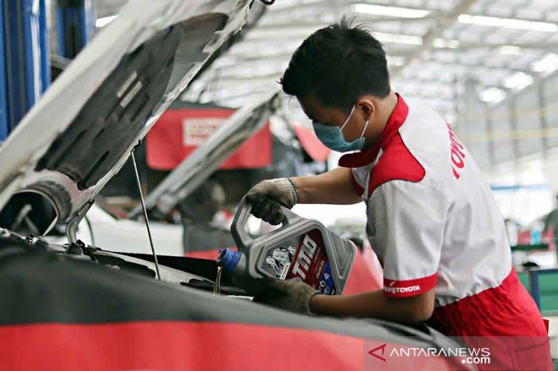 Ayo booking service melalui Aplikasi dan Website Agung Toyota dapat gratis 1 liter oli