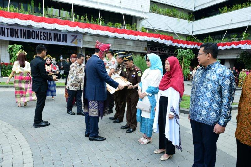 Kajati Sulawesi Utara terima penghargaan dari Kementerian PUPR