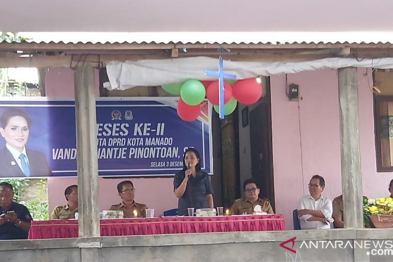 Legislator Vanda Pinontoan reses di Pandu