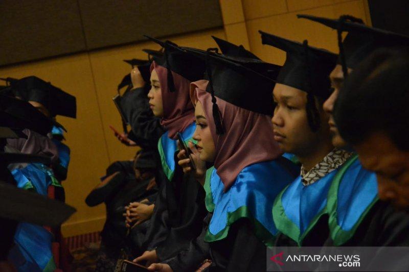 Ketua LLDikti wilayah IX dorong alumni PT mampu ciptakan Start Up