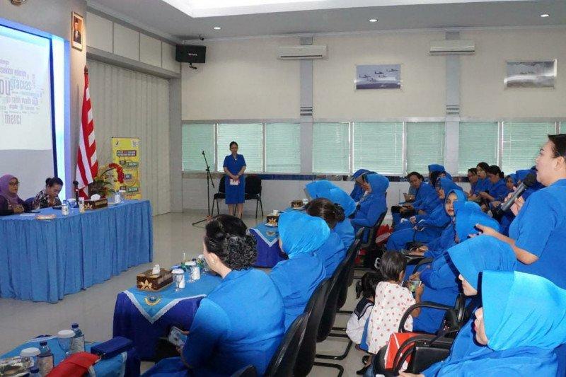 Jalasenastri VIII-BPOM sosialisasi peredaran obat dan makanan di Manado