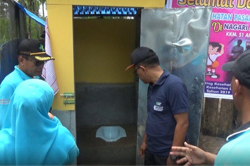 Ubah kebiasaan buang air besar sembarangan, Pasaman Barat bangun 30 jamban sehat di Air Bangis