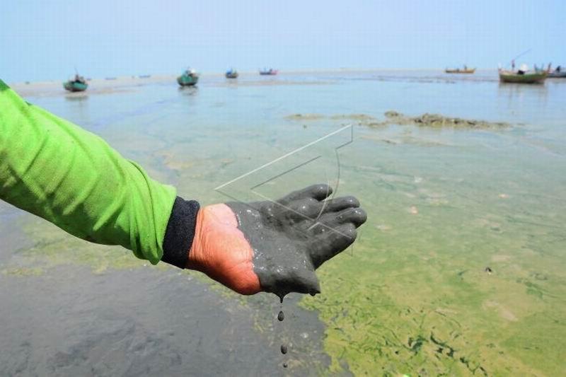 Pantai tercemar limbah