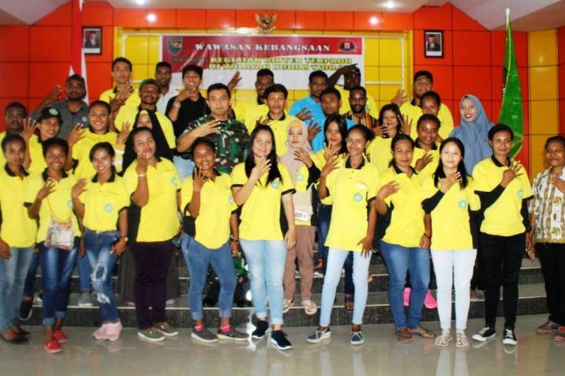 Mahasiswa IISIP Yapis Biak diajak TNI cintai nilai kebangsaan