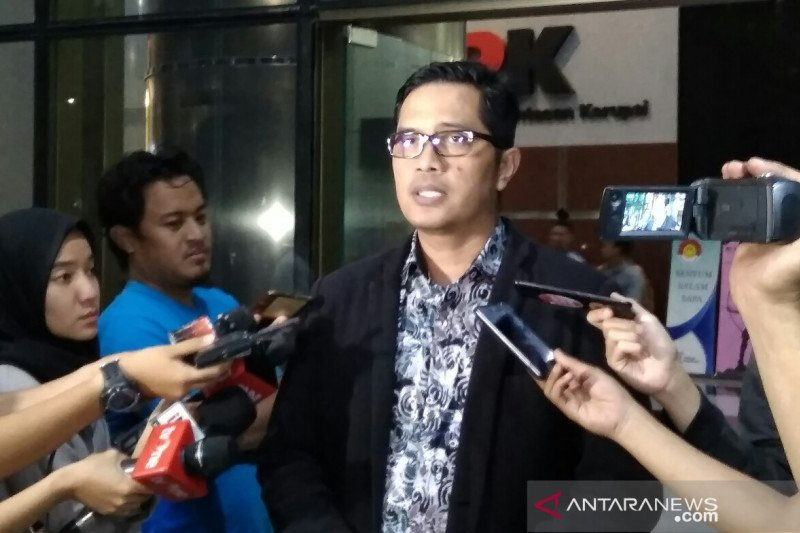 Dua tersangka diklarifikasi permintaan uang dari Sunjaya Purwadisastra